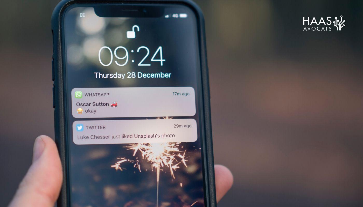 L'envoi de SMS pour le Covid-19 par le gouvernement est-il légal ?