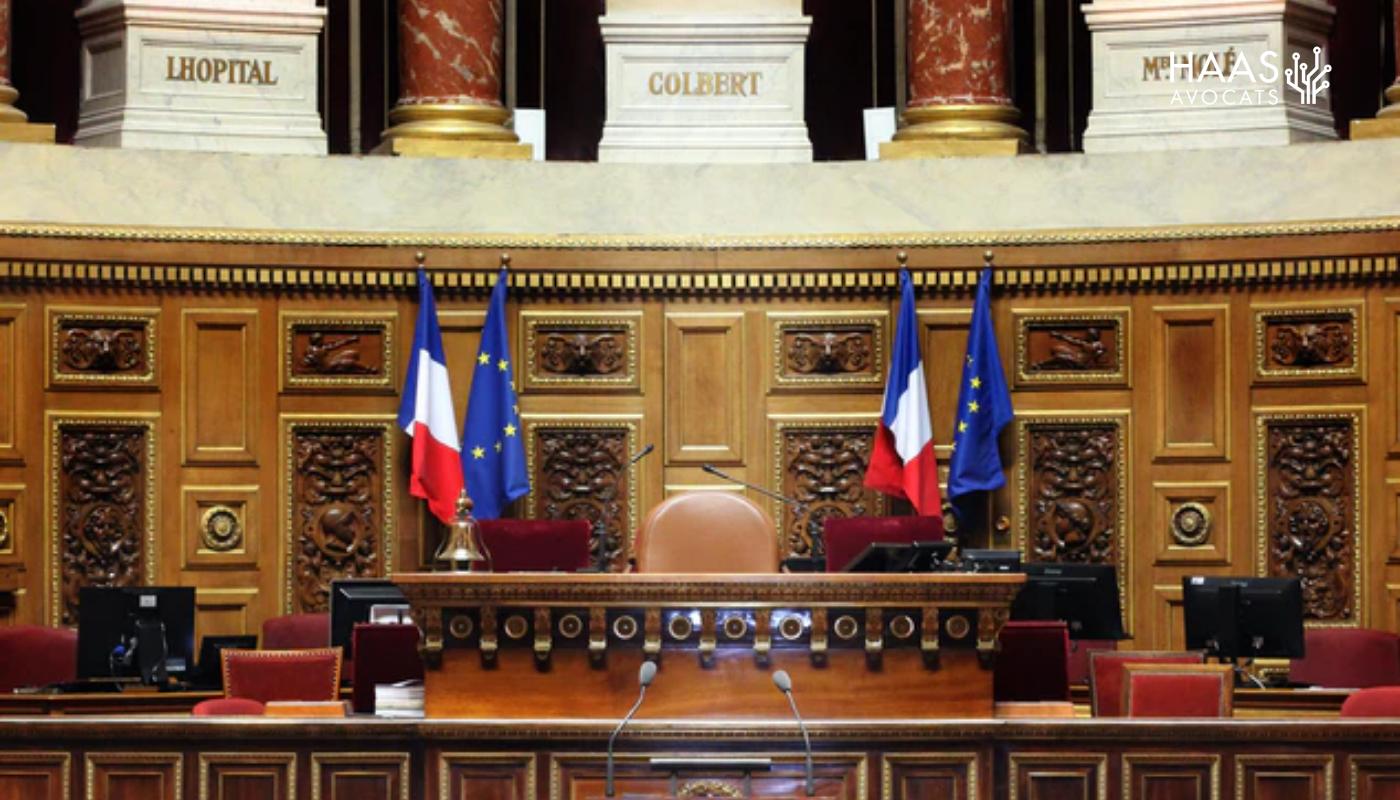 Ouverture des décisions de justice : le retard du gouvernement critiqué